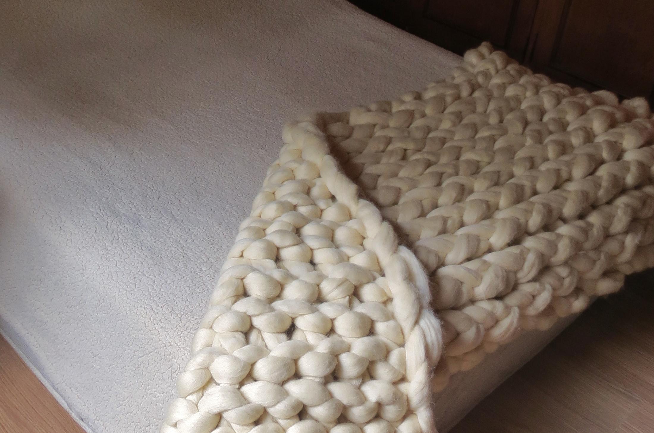 Manta maxi tricot gigante pé de cama em lã natural  86594fe6fd6