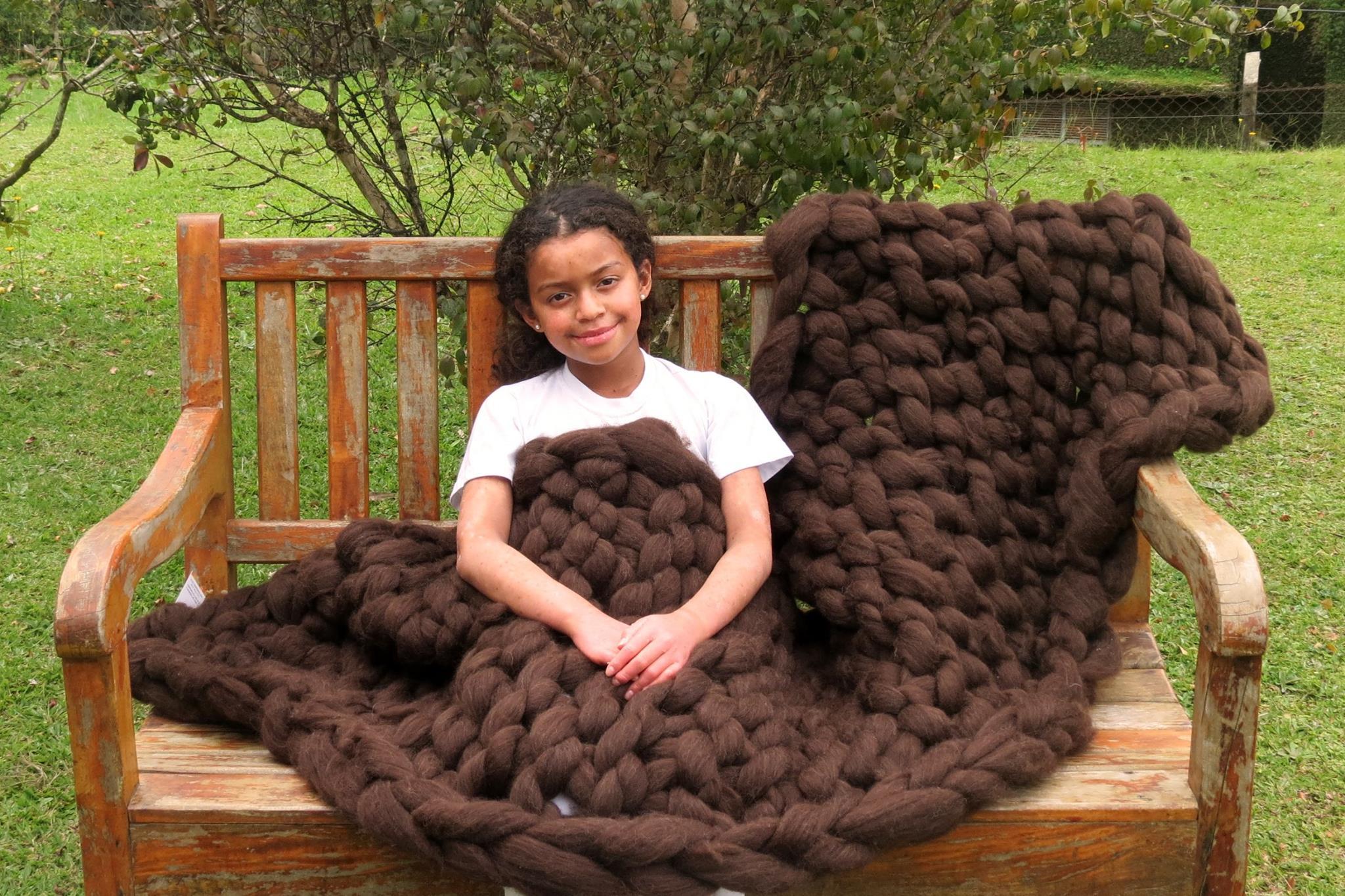 Manta tricô gigante sofá 100% lã natural   Mãostiqueiras